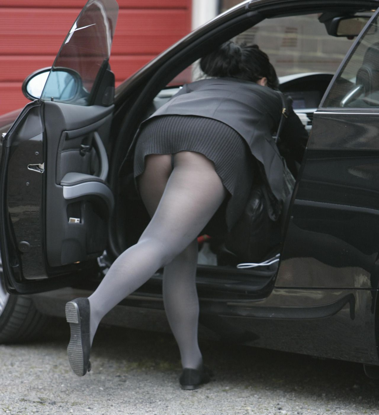 Lilly Allen In Grey Opaque Upskirt Pantyhose Flash Lily