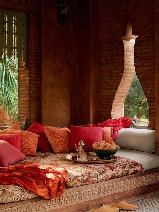 51 Inspiring Moroccan Living Rooms 51 Relaxing Moroccan Living Rooms With Red Brown Wall Bed Pillow Blan Indian Home Decor Moroccan Living Room Moroccan Room