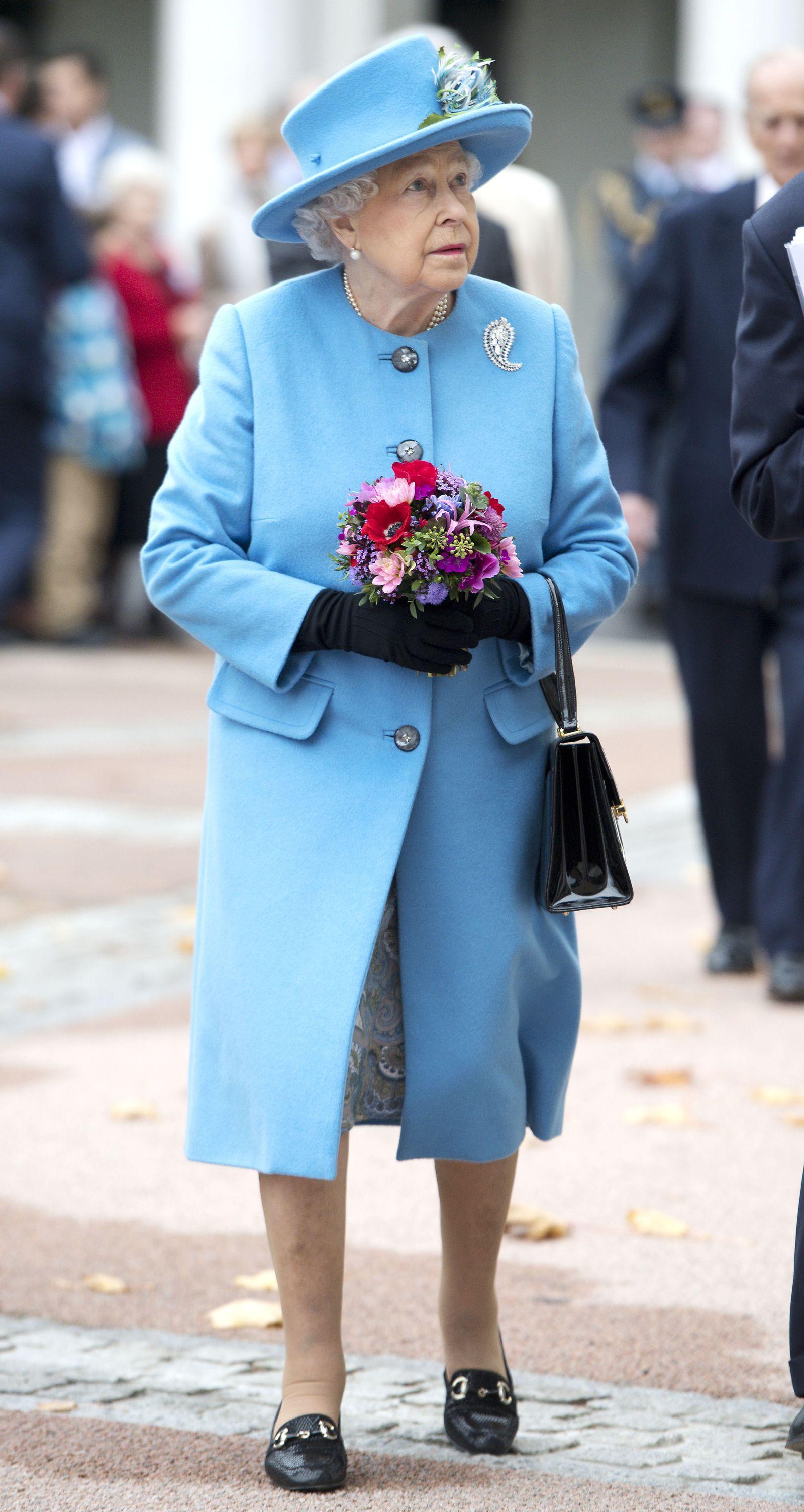 These Are Queen Elizabeth S Most Regal Rainbow Looks Queen Elizabeth Rainbow Fashion Uniform Fashion [ 3008 x 1600 Pixel ]