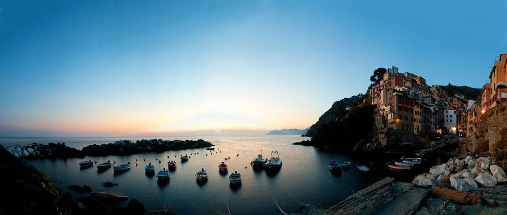 this is where the sun crashed into the sea  #cinqueterre #italia #italy #liguria #sun #amazing #landscape