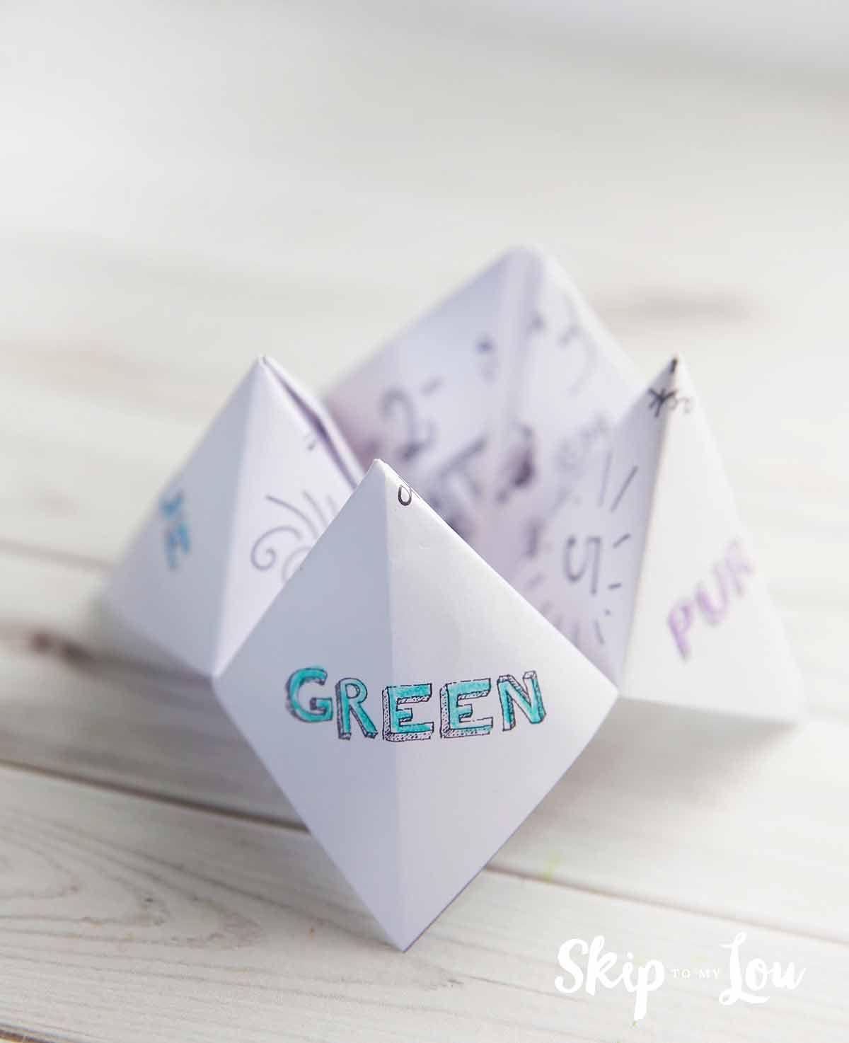 how to make a paper fortune teller kids wedding activity. Black Bedroom Furniture Sets. Home Design Ideas