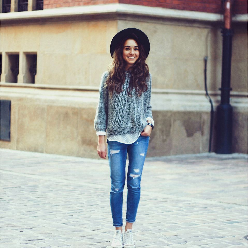 Casual fall outfit (love the polka dots).