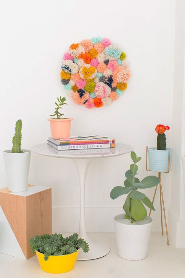 47 fun pinterest crafts that arent impossible couture interiores cool diy ideas for fun and easy crafts diy pom pom wall art hanging awesome diys that are not impossible to make creative do it yourself craft solutioingenieria Images