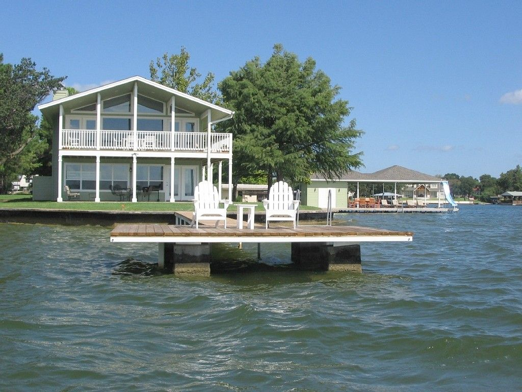 The Point Vacation Lake House On Lake Lbj Sleeps 12 Lake House Waterfront Homes Waterfront Cabins