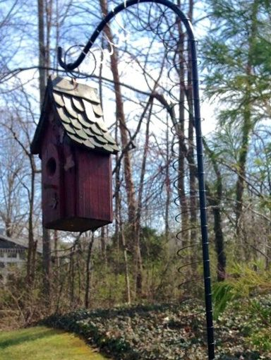 If Your Birdhouse Is Hanging On A Pole Like This One A Slinky Top Will Stop Snakes From Climbing Up The Pole If You Can Bird Houses Bird House Outdoor Decor