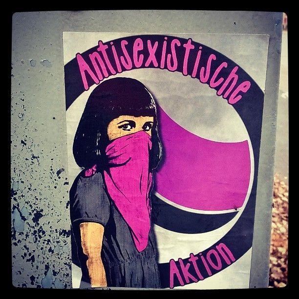 #antisexistische #auktion #antisexistischeauktion #seksismiävastaan #againstsexism. #feminism #feminismi #tasaarvo #equality #pinkkii #streetart #sticker #katutaidetta #tarra