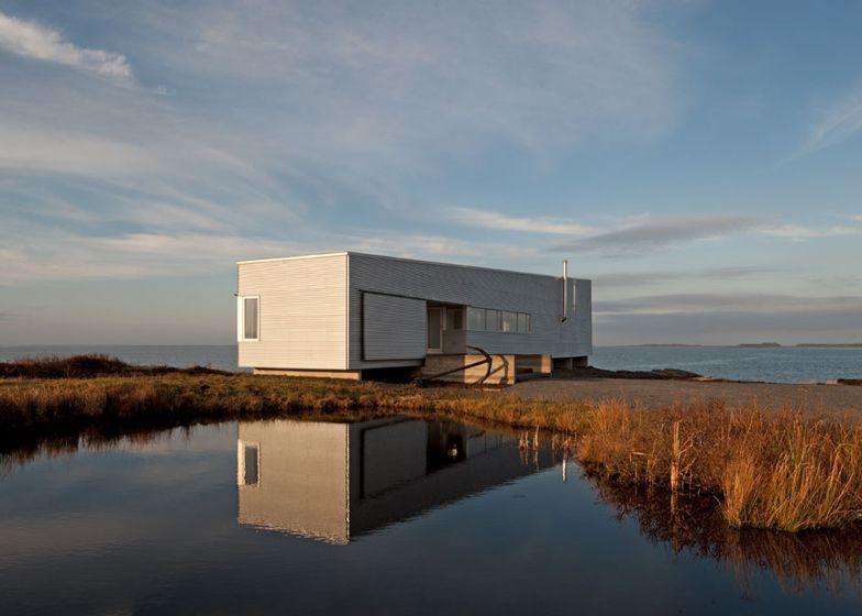 Sunset Rock House by MacKay-Lyons Sweetapple Architects | architecture Nova Scotia