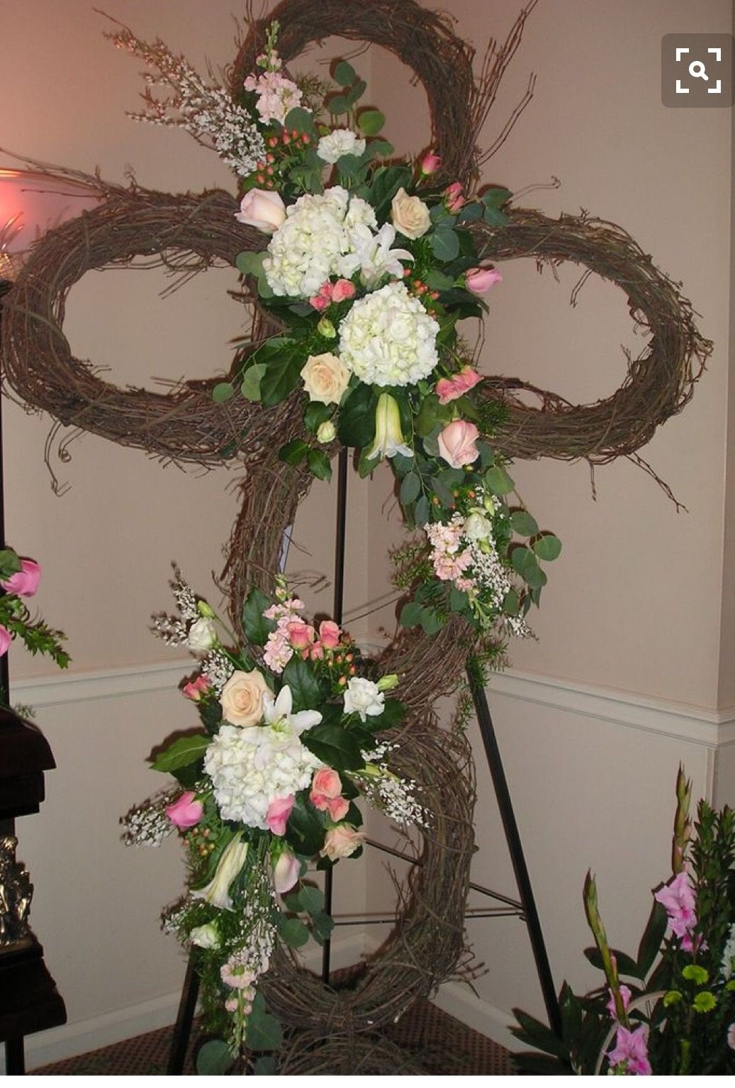 Pin by Mary Garner on Sympathy Arrangements Funeral