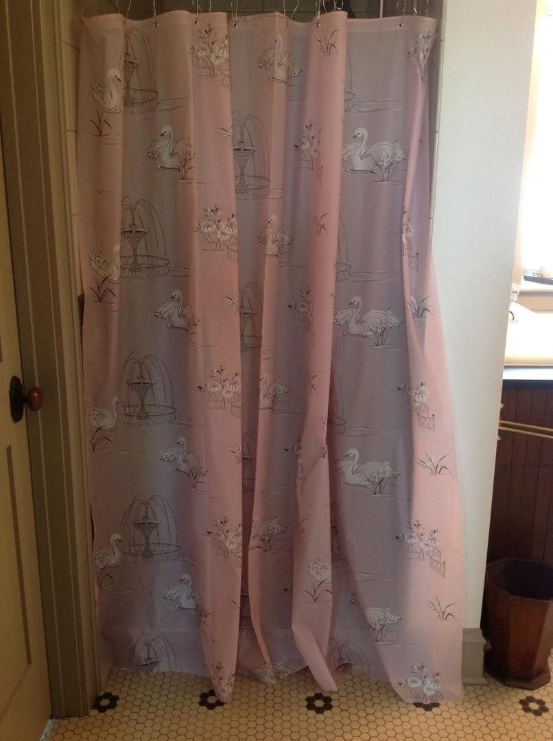 Up For Auction Is A Vintage Vinyl Shower Curtain It Is Pink With