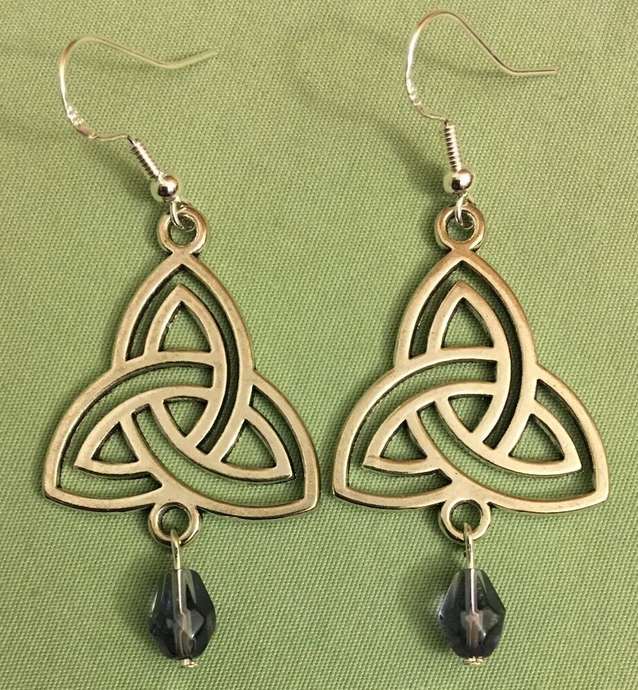 SS Triquetra Wire Earrings