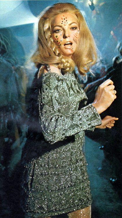 Look magazine - November 28, 1967   Psychedelic fashion ...
