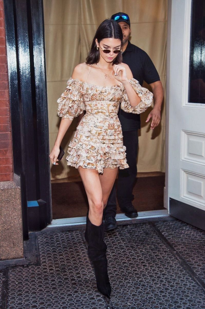 Kendall   Kendall jenner street style, Celebrity style dresses ...