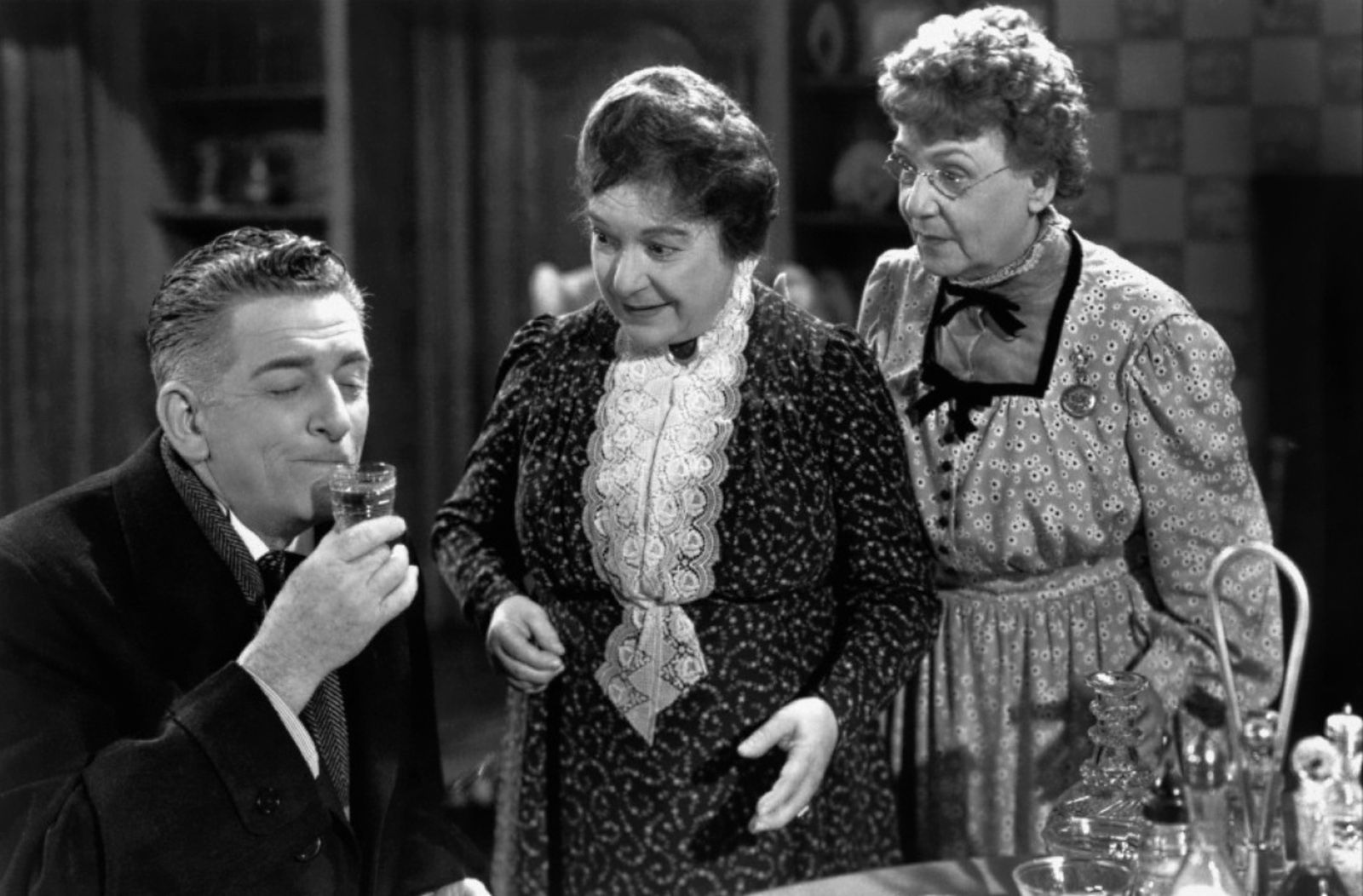Classic Old Movie : Arsenic and Old Lace 1944