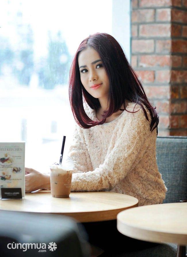 Cungmua - Áo len nữ bông hồng - Thiết kế trang nhã kiểu dáng nữ tính duyên dáng mang lại phong cách thời trang tinh tế thật cuốn hút cho bạn gái. Chỉ 145.000đ cho trị giá 270.000đ.