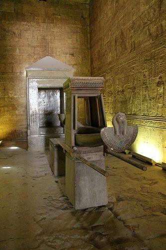 Edfu Temple,Egypt.    Ra, rejsen til Egypten: http://www.atravel.dk/package.aspx?id=1057  #Egypten #Ra #rejse #Cairo #Luxor Templerne #Luxor #Pyramiderne