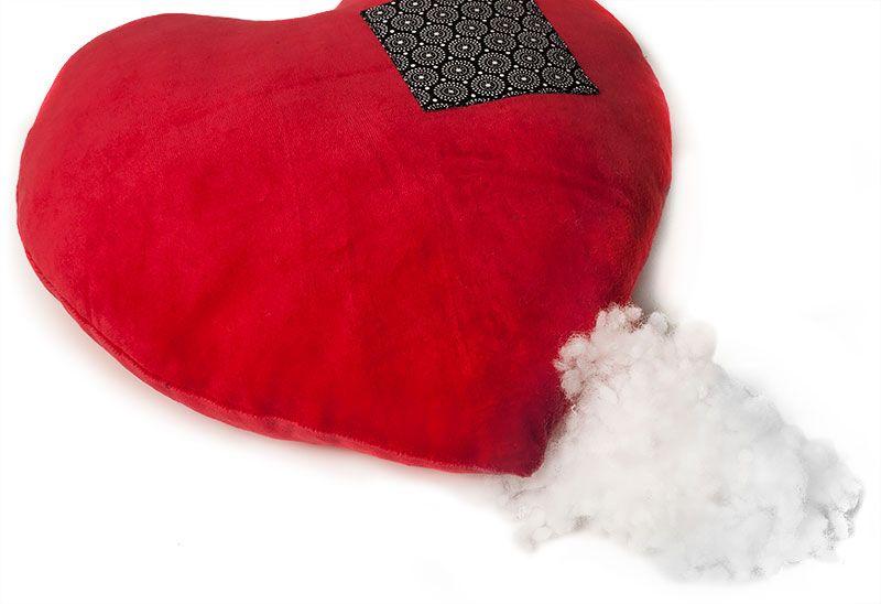 Überraschung zum Valentinstag: Namens- und Herz-Kissen für die ...