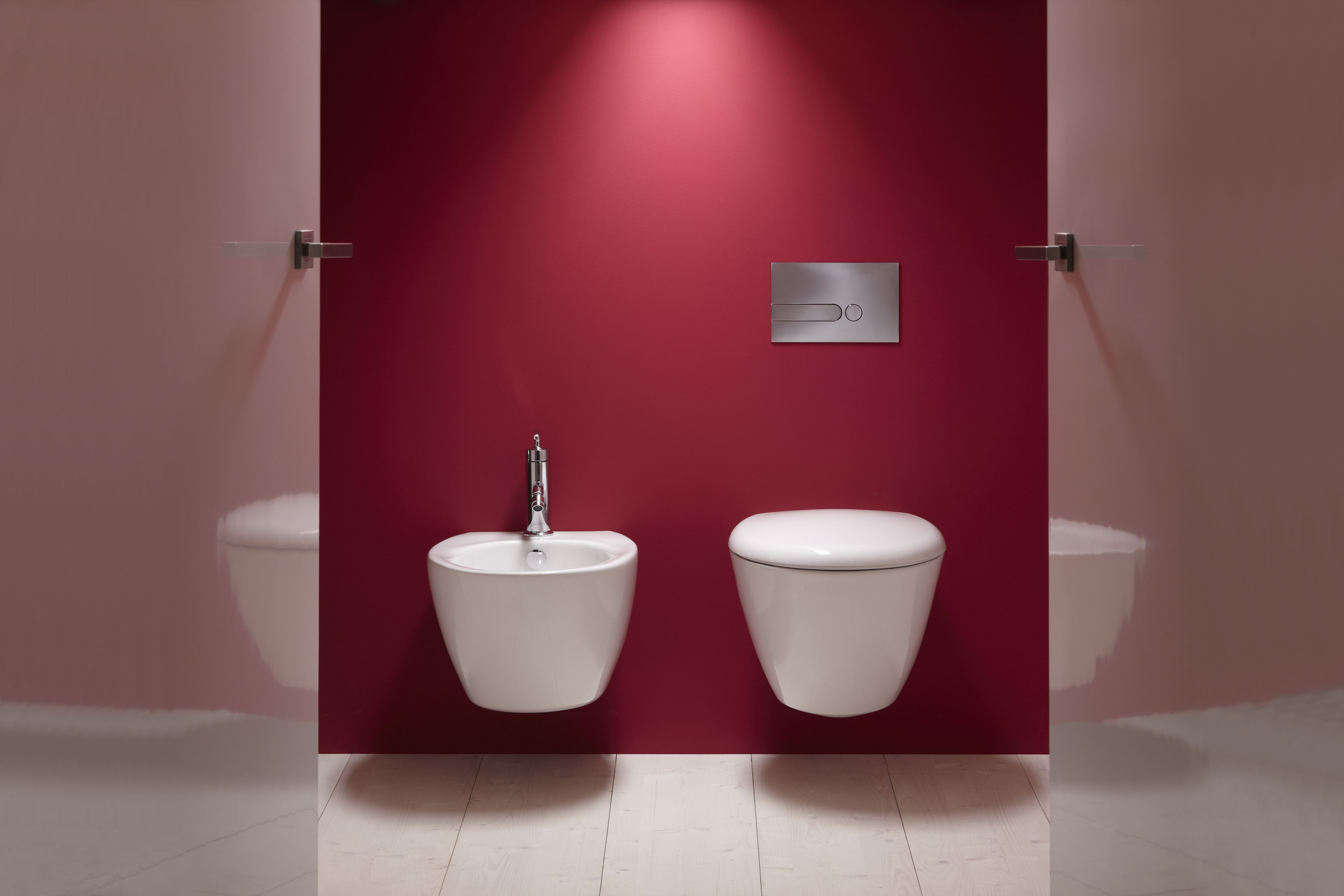 Adoptez l'espace toilettes/bidet pour un style plus chic et pratique avec la Collection Presqu'Ile de Jacob Delafon #toilettes #bidet #Jacobdelafon