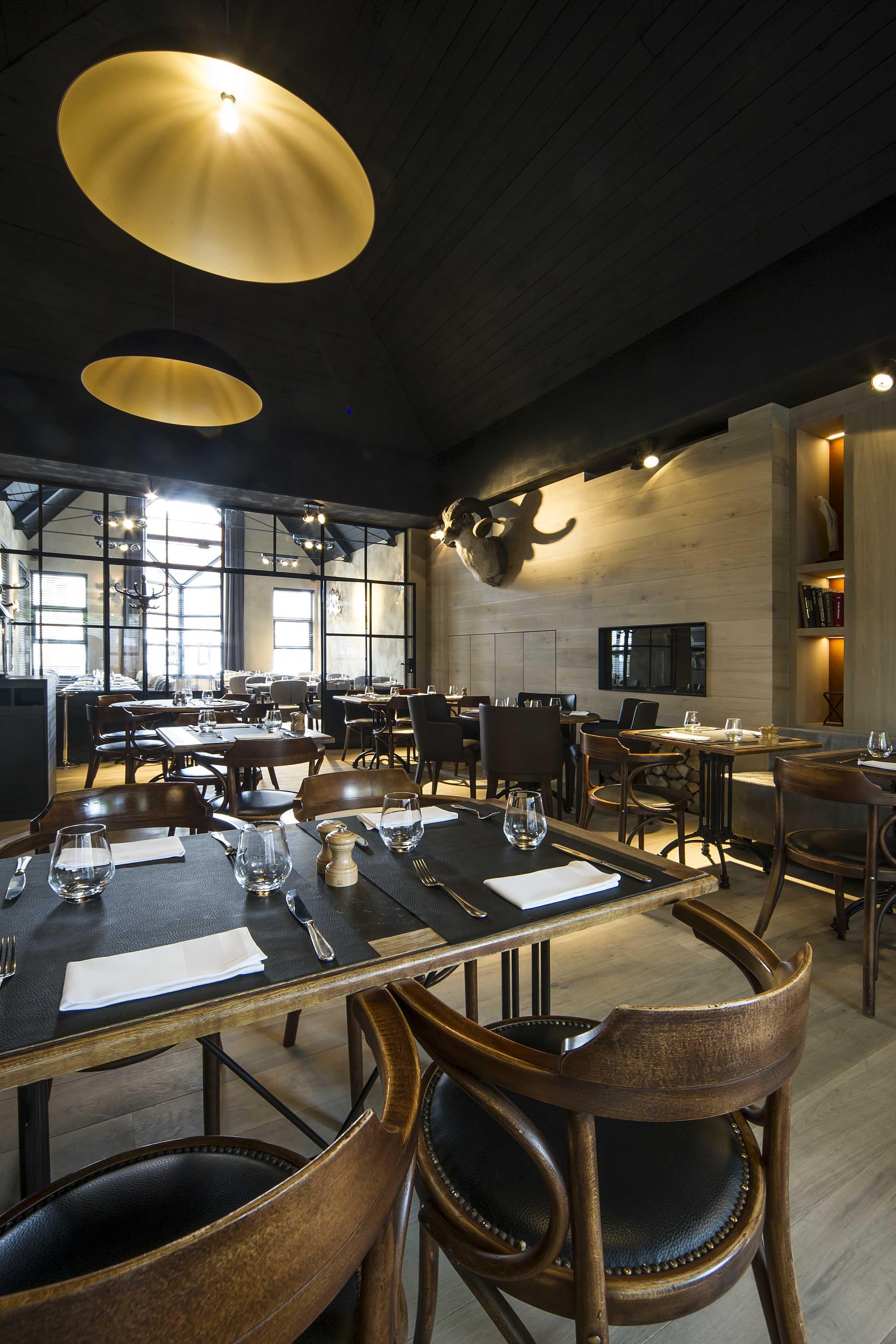T KLOOSTER De Pinte WILLE H. interior design #restaurant #DARK ...