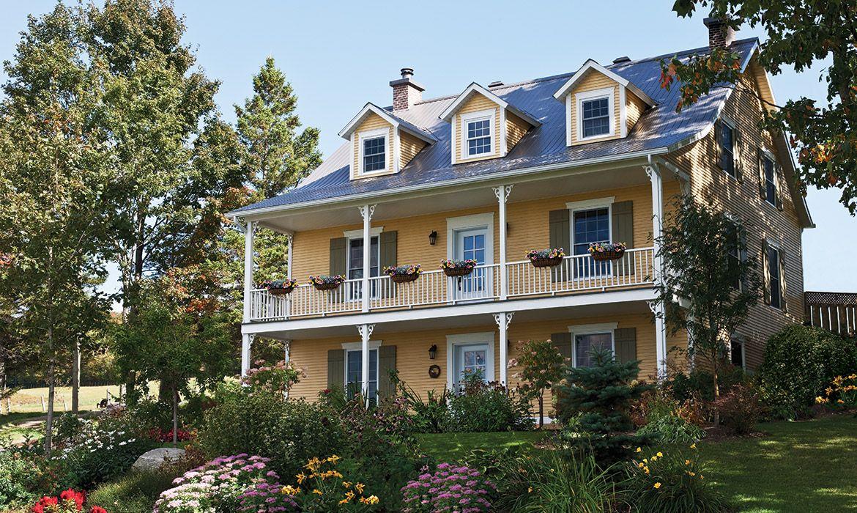 Amazing Ancestral House Siding Rabbeted Bevel In Maibec Harvest Yellow 5 Wood Siding Exterior Wood Siding House Styles