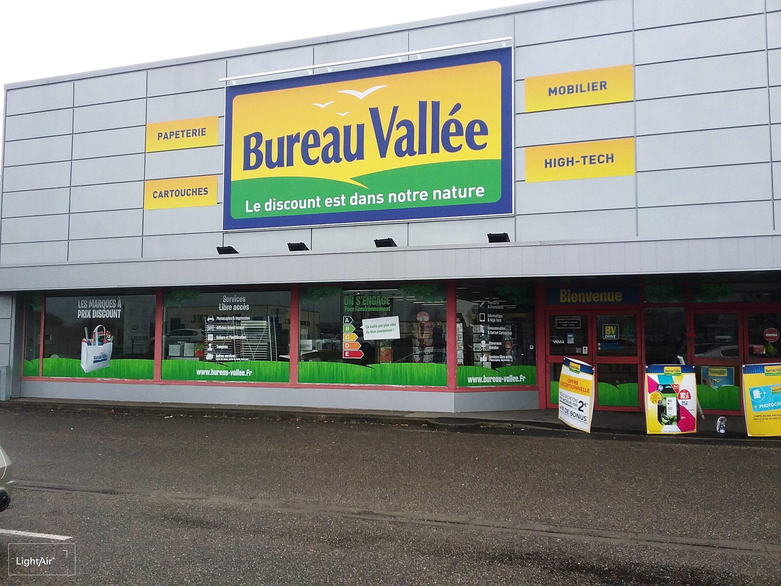 Nouvelle faade pour le magasin Bureau Valle de Wittenheim
