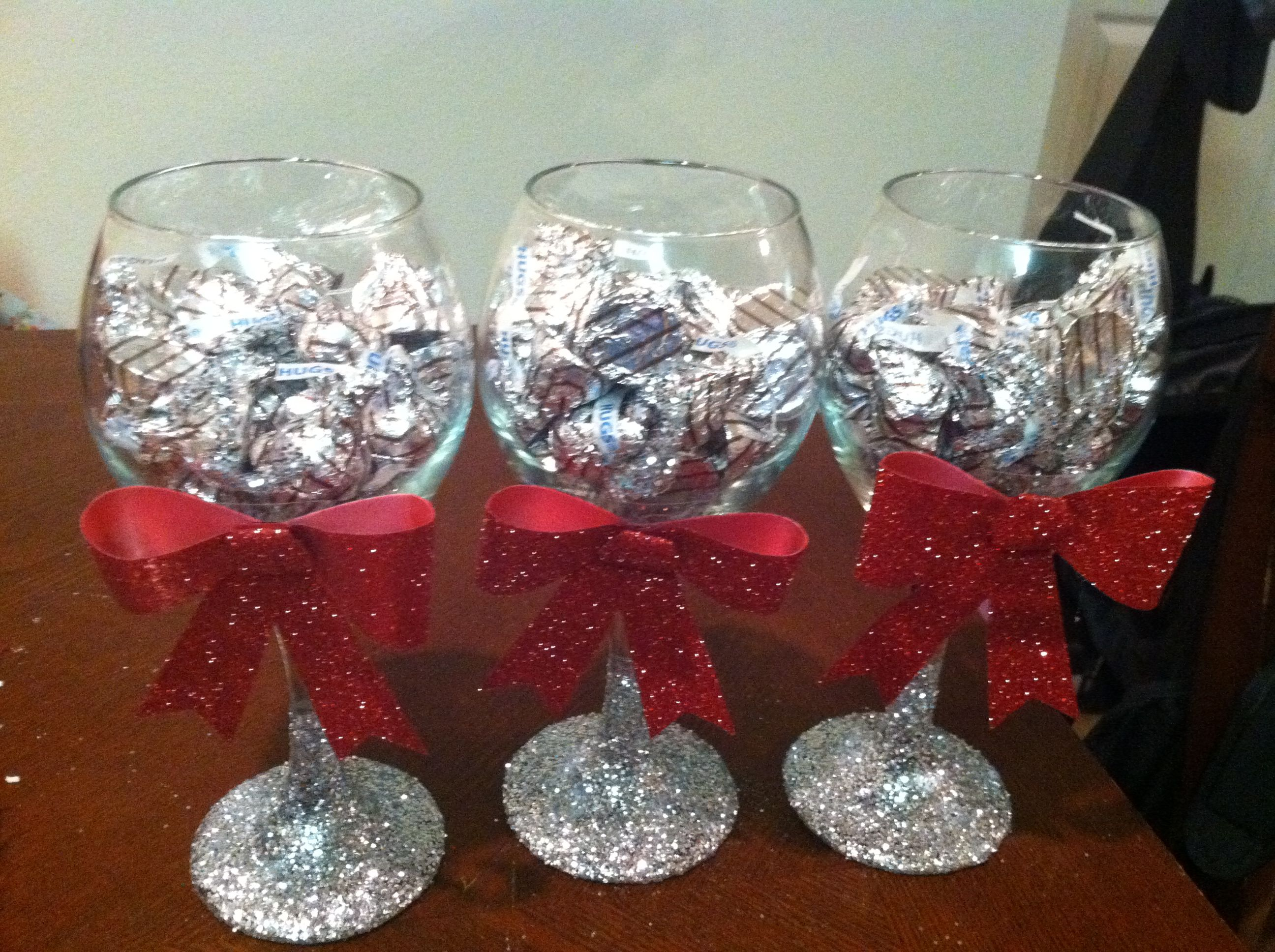 Diy glitter wine glasses ideas pinterest wine glass How to make wine glasses sparkle