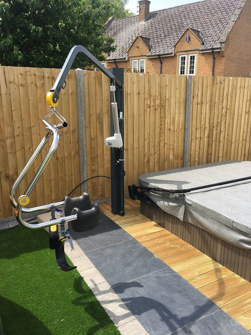 The Dolphin Hot Tub Hoist can be used with a 2 or 4 point spreader ...