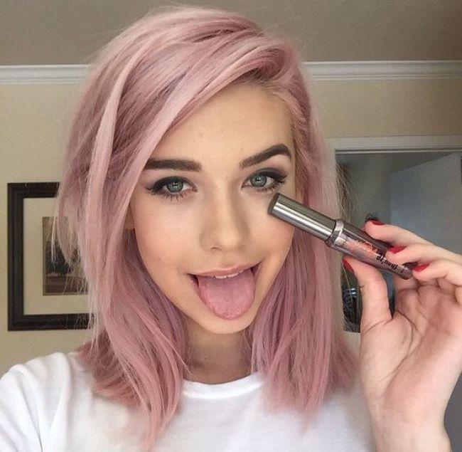 Couleur de cheveux rose pastel