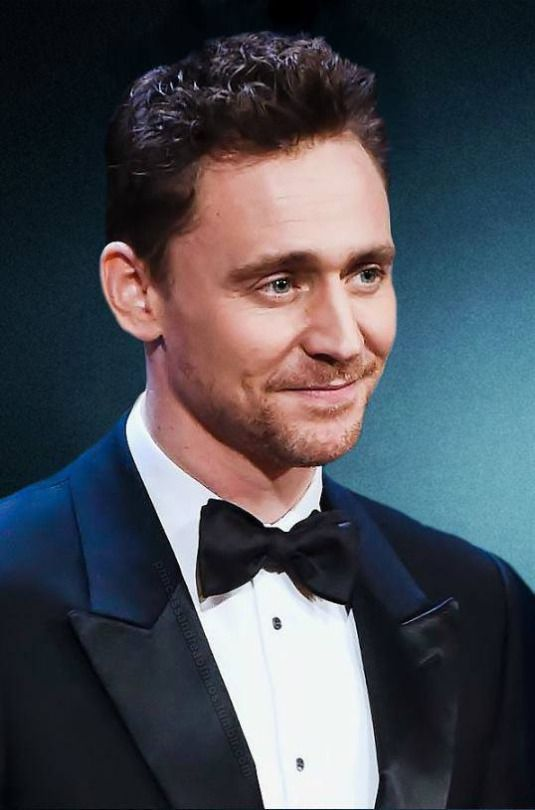 """#TomHiddleston.  Original blogger writes:  """"I wanna smack that smug look off his face. With my lips.""""  Hahaha."""