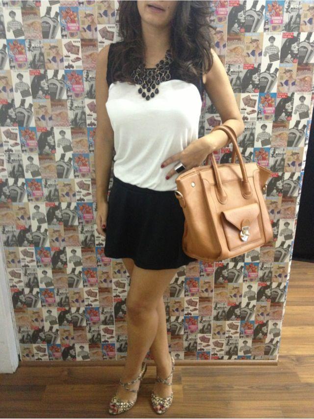 Vestido de crepe branco e preto!!! Para maiores informações contato@lebianchi.com.br