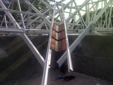 harga baja ringan madiun desain rumah mr eko pekerjaan rangka atap