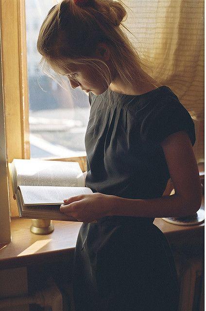 """Αποτέλεσμα εικόνας για pretty girl reading book in pinterest"""""""
