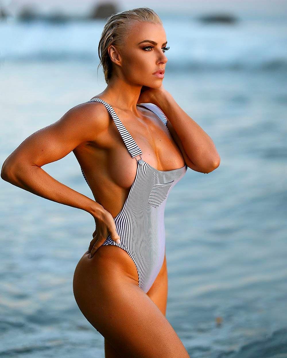 Holly Barker Nude Photos 5