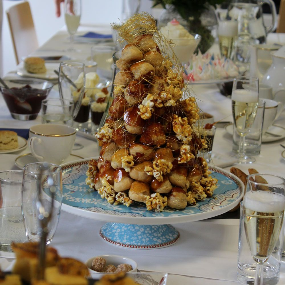 Salted Caramel Popcorn Croquembouche | Recipe (With images ...
