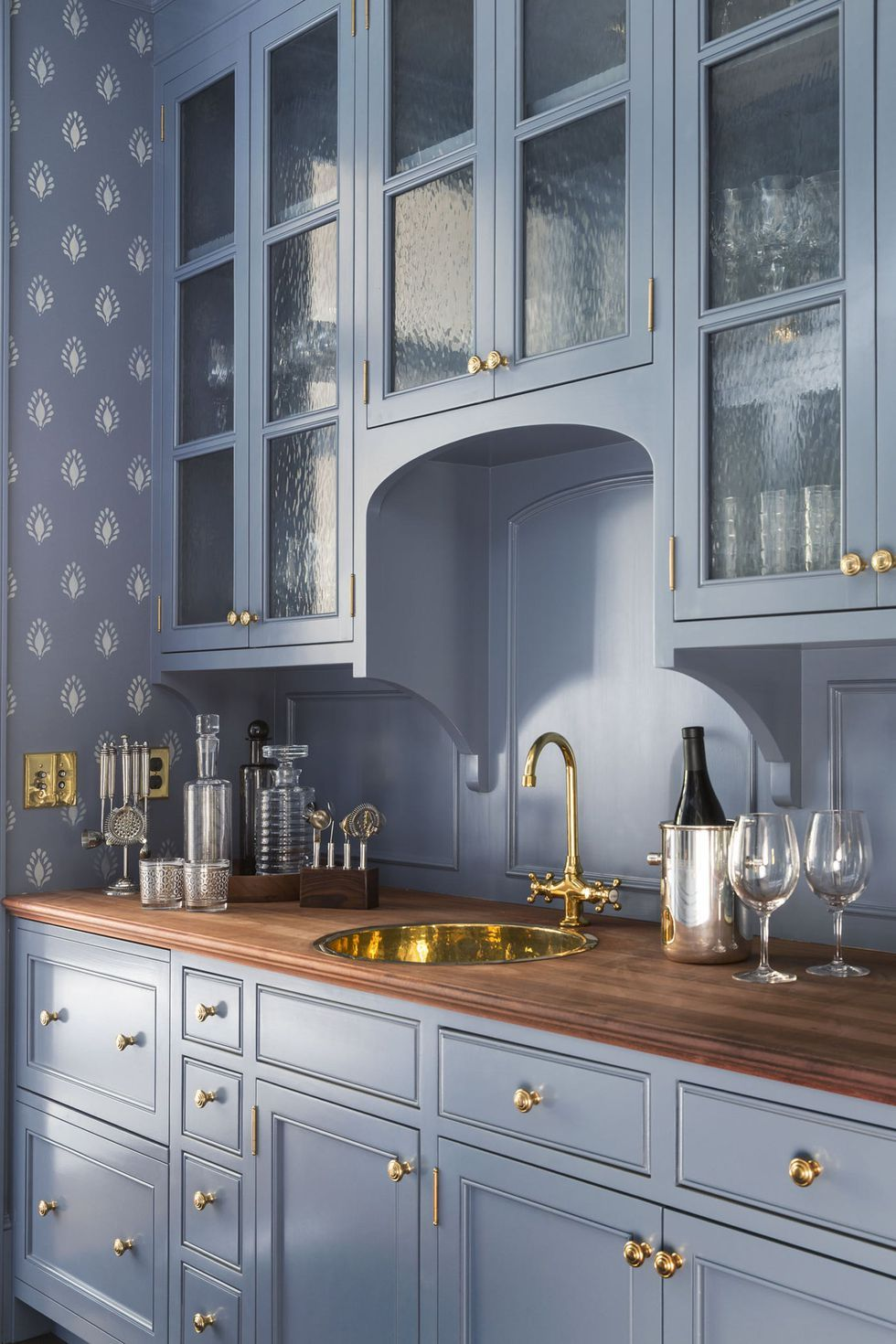 45 Functional Butler's Pantries With Endless Charm