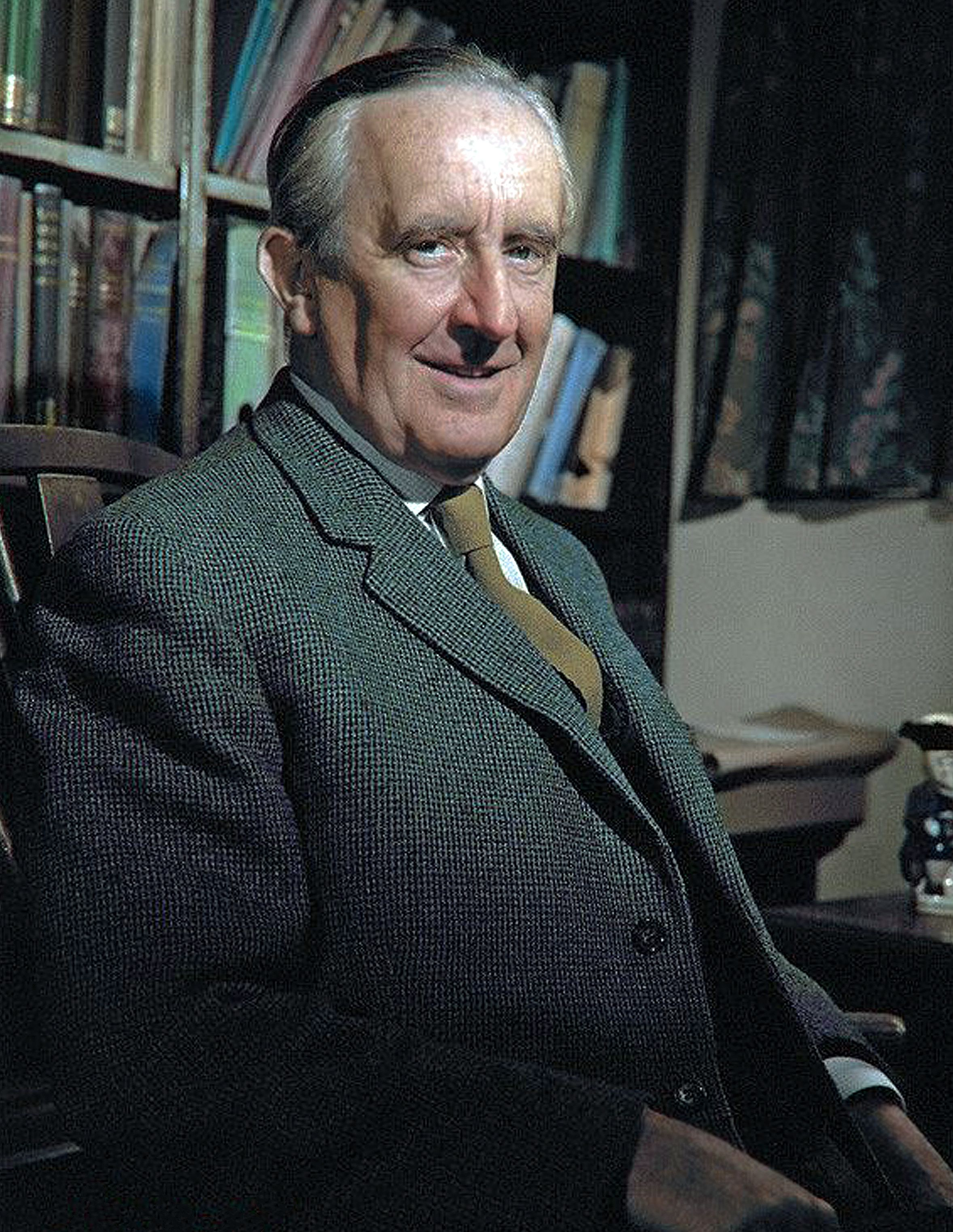 J. R. R. Tolkien | Writers and poets, Famous authors, Historical people