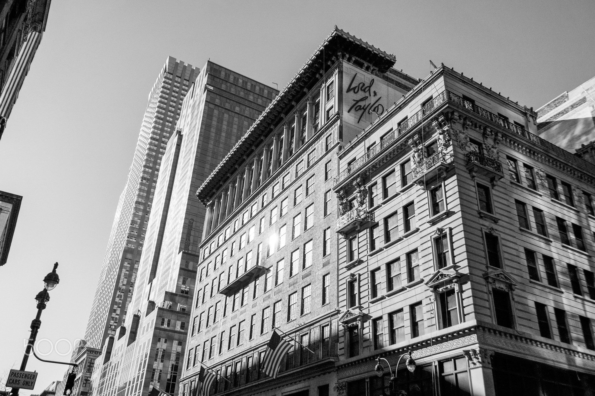 Black and White Manhattan building - Black and White Manhattan building.