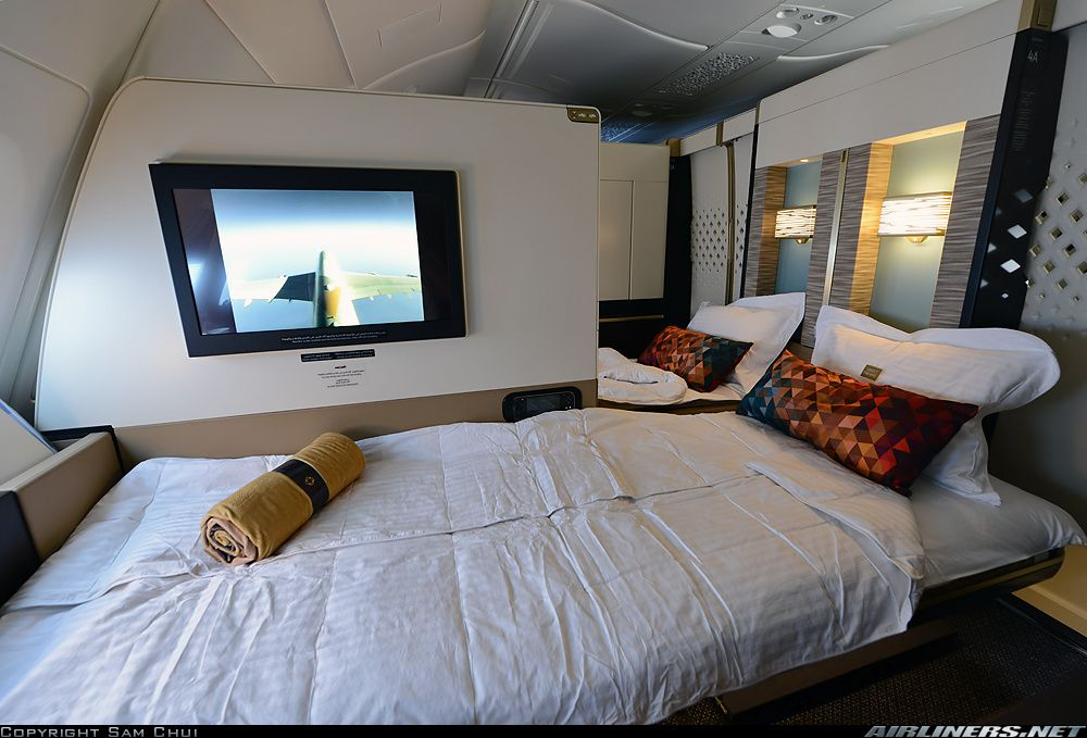 Etihad airways first class apartment suite airbus a380 for First class suite airline