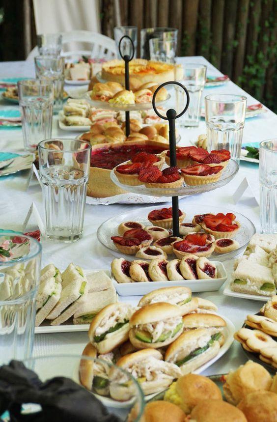 mesa con botana para una fiesta para tu esposonovio o cualquier adulto