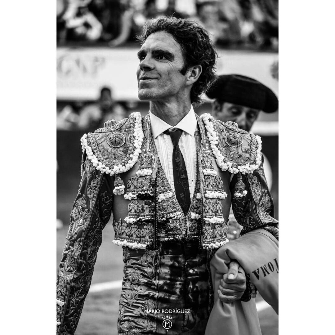Toros / taureaux / bullfight / stierkampf.  Entre Aguascalientes y Sevilla MX - ES