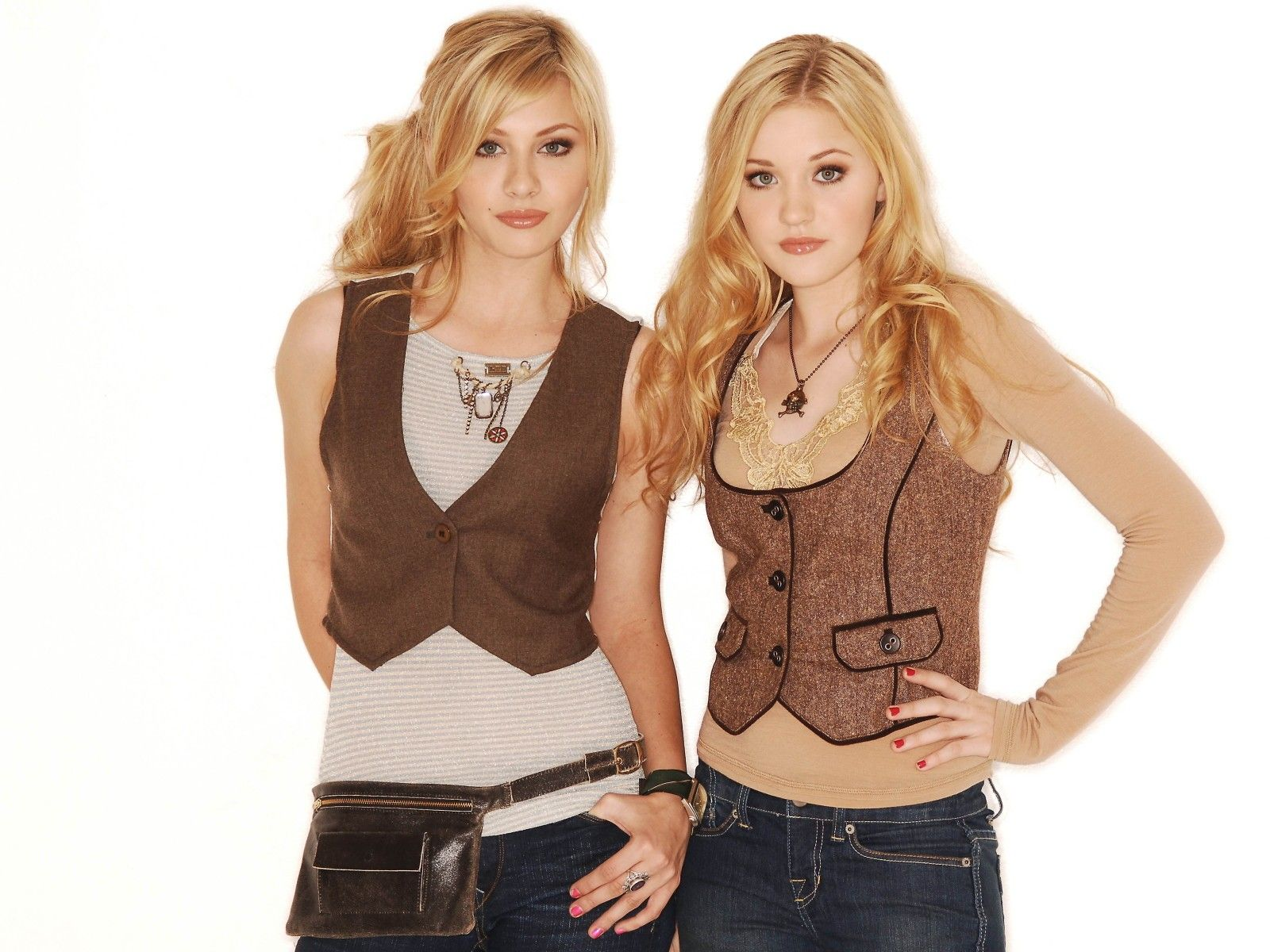 Hacked Michalka Sisters naked (49 photo), Pussy, Is a cute, Selfie, cameltoe 2006