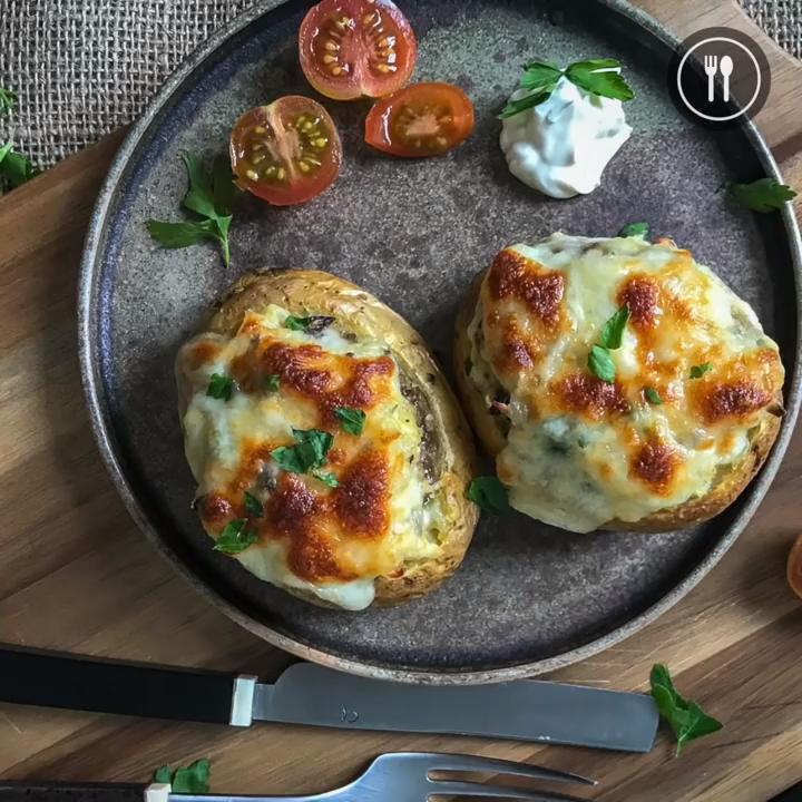 Patatas Rellenas Al Horno Receta Vegetariana Que Todos Querran Probar Al Horno En 2020 Patatas Rellenas Al Horno Recetas Vegetarianas Comida Vegetariana Recetas