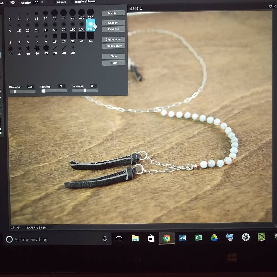 Aaaaand I find myself still editing photos.  When will I start to get this done ahead of time?  Answer:  probably never...  . . . . .  #maker #makerslife #creativepreneur #creativehappylife #madeinphilly #phillymaker #behindthescenes #procrastination #girlboss #smallbiz #smallbusiness #handmadefashion
