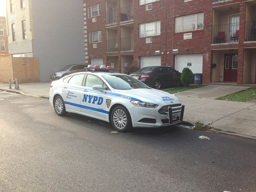 Nypd Ford Fusion Hybrid 2013 Police Cars By Country Wikimedia