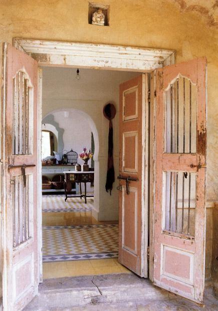 Épinglé par Evelyne Berard sur Inside Outside Pinterest - couleur des portes interieur