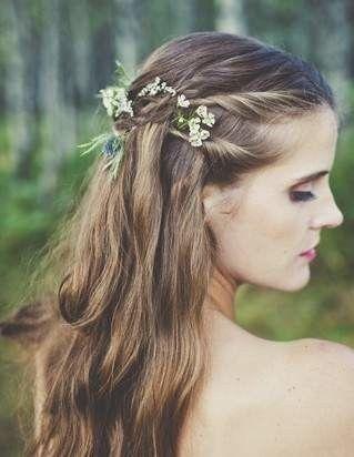 wildflower-inspired wedding bouquets