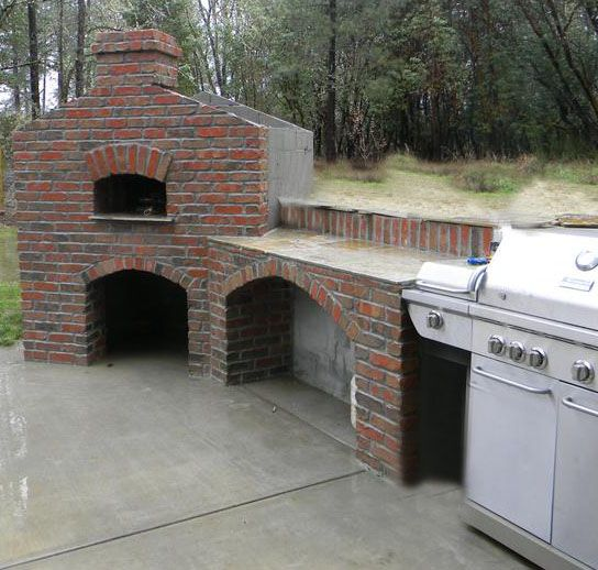 Outdoor Kitchen With Pizza Oven Using Sanded Tudor Bricks Outdoor Oven Outdoor Kitchen Design Outdoor Bbq