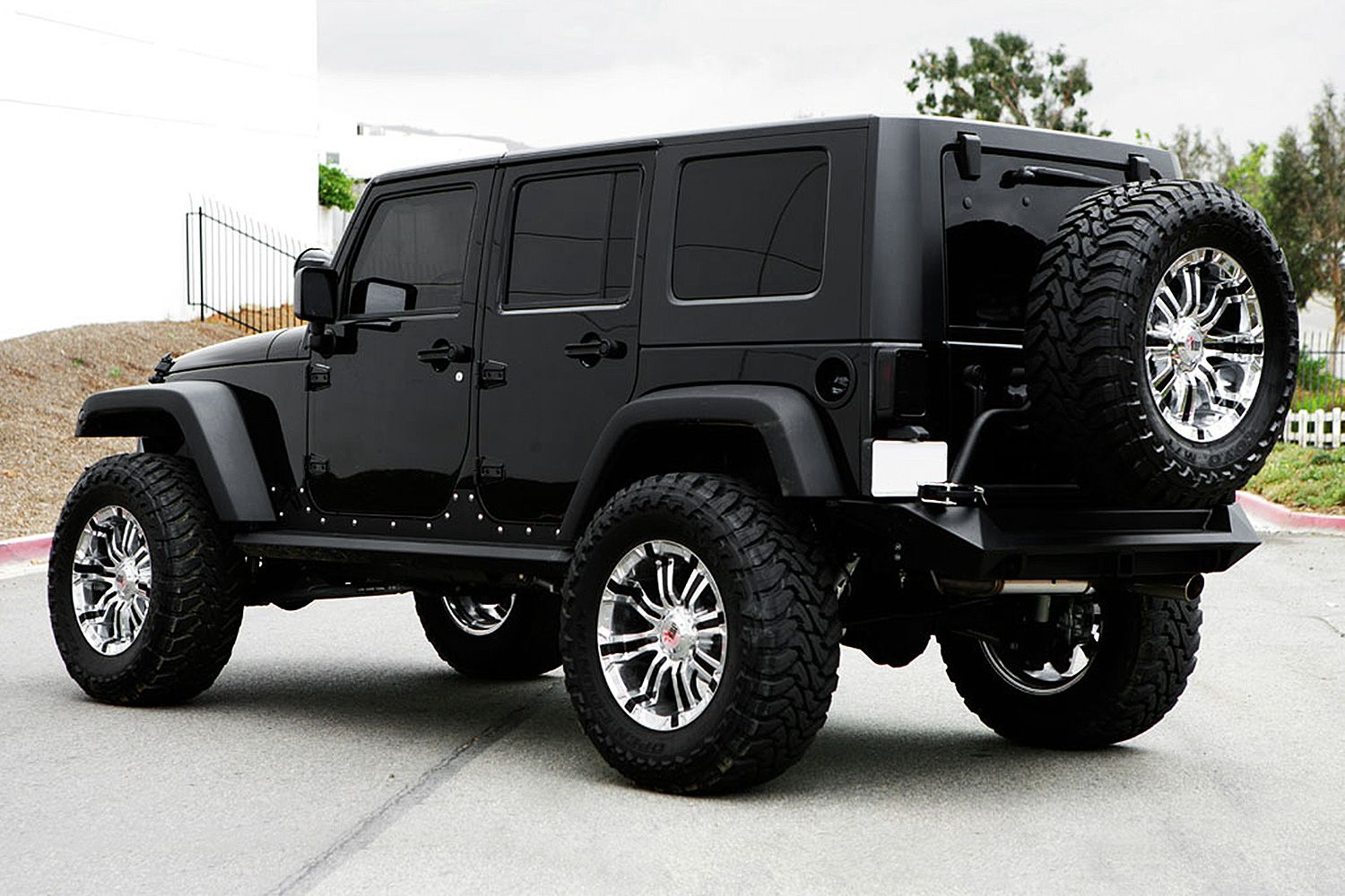 rbp 94r chrome with black inserts on jeep wrangler. Black Bedroom Furniture Sets. Home Design Ideas