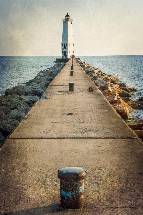 Frankfort, Michigan Lighthouse by David Vincent, via 500px