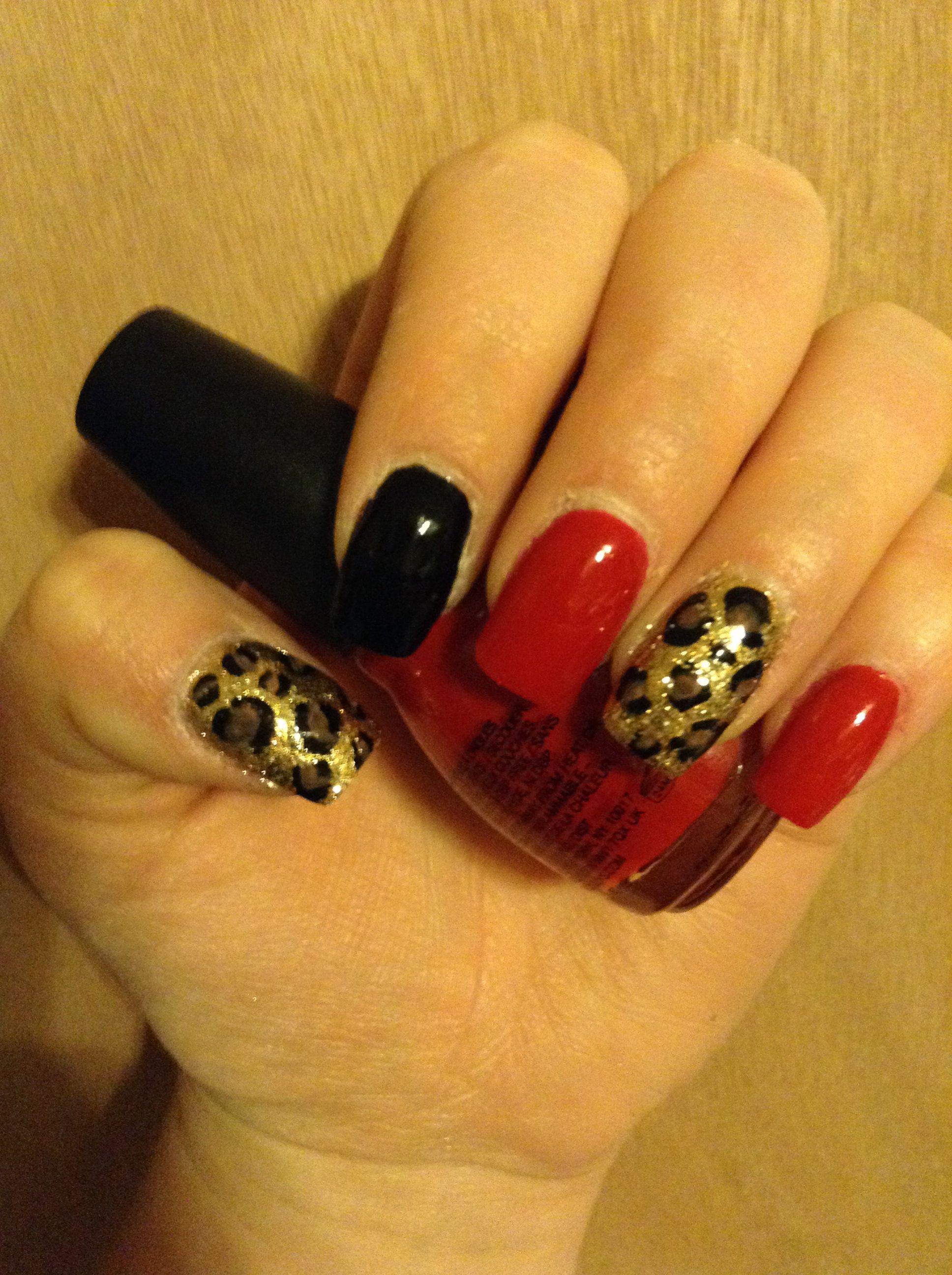 Leopard print nails<3