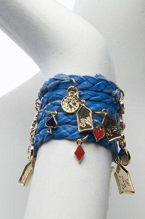 Alice in Wonderland inspired mesh bracelet